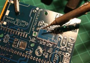 Как напаять олово на микросхему
