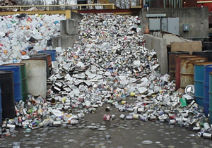 Олово отделяется так же и от мусора, не только от металла